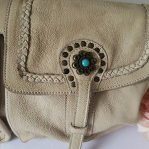 innue Bags - LEATHER messenger bag